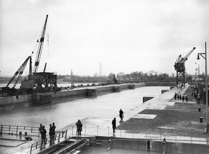 The new King George V Graving Dock, Southampton, 18 January 1934.