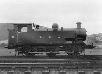 E2 clas 0-6-0T steam locomotive at Lewes, East Susex, c 1920.