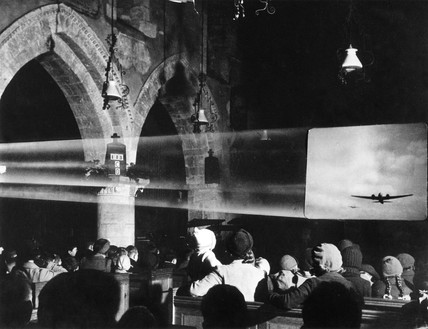 Audience watching a war film, 30 December 1941.