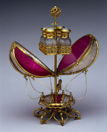 Model of a balloon in glas and metal, late 18th century.