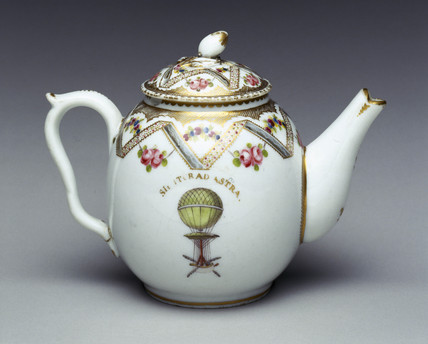 Teapot decorated with ballooning scene, late 18th century.