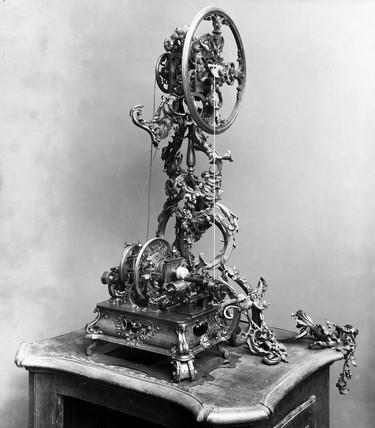 Early Rose ornamental turning lathe, Germany, c 1750.