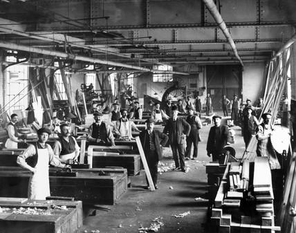 Carpentry workshop at Gateshead Works, Tyne & Wear, c.1908.