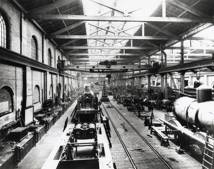 Erecting shop at Crewe Works, Cheshire, c 1900.