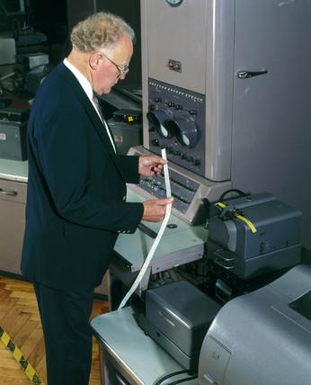 Pegasus computer (1956), Science Museum, 2000.