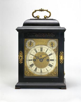 Bracket clock, English, c 1706.