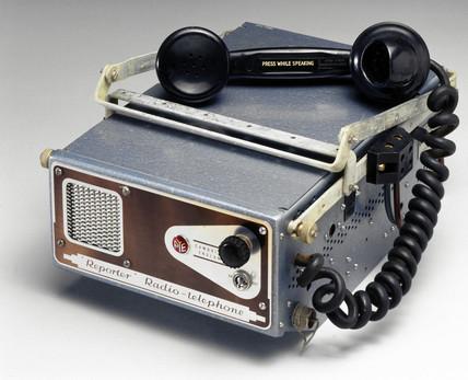 Reporter mobile radiophone, 1951-1953.