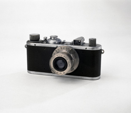 'Leica Standard' camera, made by Leitz, 1932.