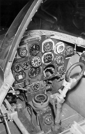 Gloster-Whittle E28/39 cockpit, 1941.