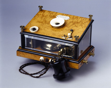 Crosley table telephone, 1879.