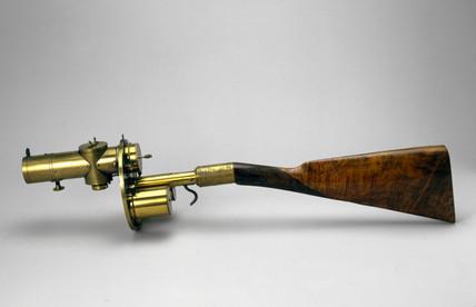 Gun camera made by Sands and Hunter, 1885.