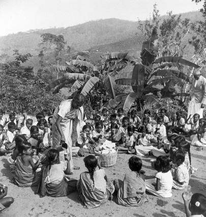 Tea plantation workers' children at an esta
