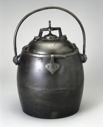Cast iron presure cooker, 1850-1870.
