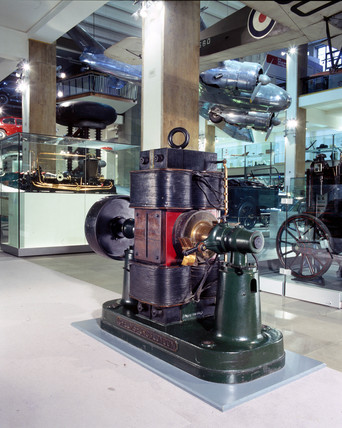 Crompton direct current generator, Science Museum, 2001.