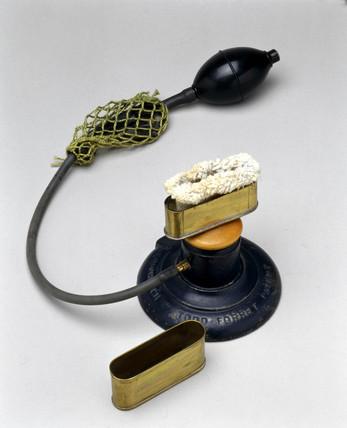 Todd-Forrest magnesium flash lamp, 1907.