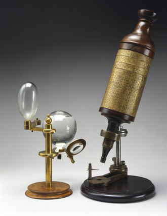 Hooke's compound microscope and its illuminating system, 1665-1675.