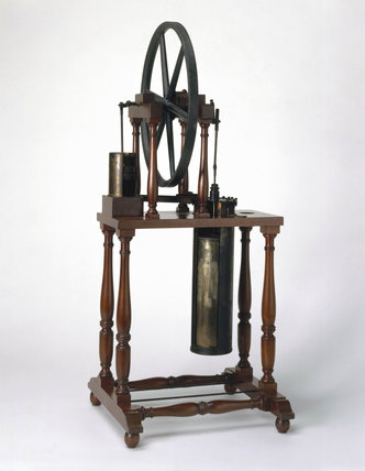 Stirling's hot air engine, c 1816.