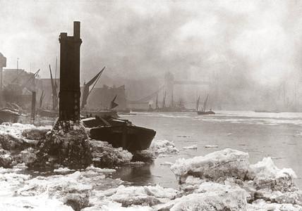 River Thames frozen, London, winter 1894-1895.