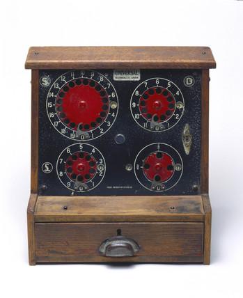 Cash register, 1932-1939.