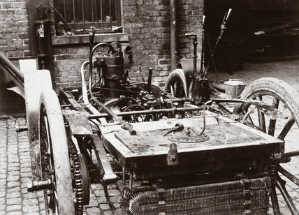 Chasis of a 6 hp Panhard motor car, 1898.