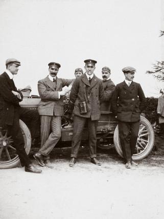 C S Rolls (left) with fellow racing drivers Mayhew, Jarrott and Edge, c 1902-1903.