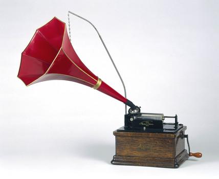 Edison 'Fireside' phonograph, 1909.
