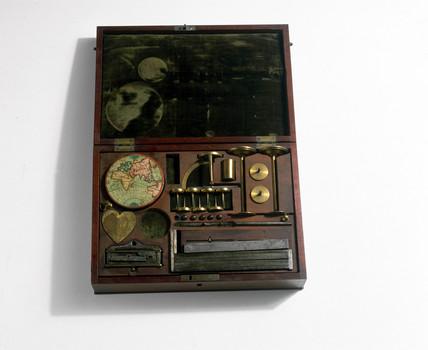 Experimenter's box, c 1800.