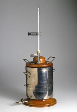 C V Boys' gas calorimeter, late 19th century.
