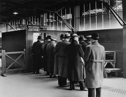 Foreign citizens arriving at the Customs Office, London, 13 April 1937.