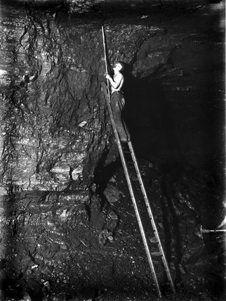 Hand-drilling in a mine shaft, Lye Cros Pit, Staffordshire, c 1890s.