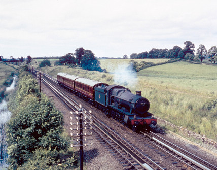 Steam locomotive 'Honington Hall' pasing o