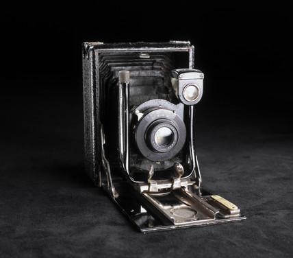 Quarter-plate 'Cameo' camera, 1915-1920.