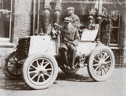 C S Rolls and Mr Ashby starting from Southampton to London, 1900.