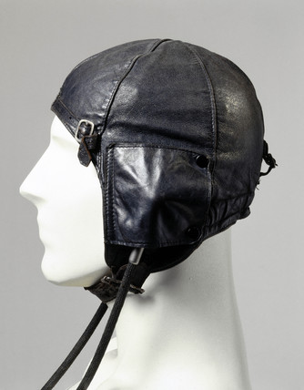 Leather flying helmet, type 6F/162, c WWII.