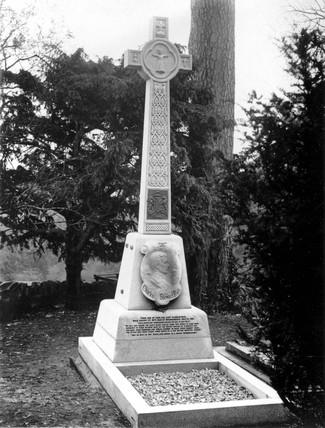 Charles Stewart Rolls' grave, St Cadoc's Church.