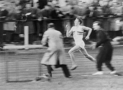 Roger Bannister running the four-minute mile, 6 May 1954.