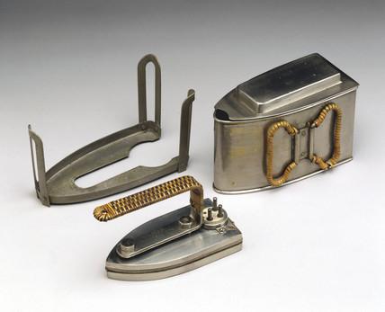 GEC 'Magnet' Universal electric travel iron, c 1922.