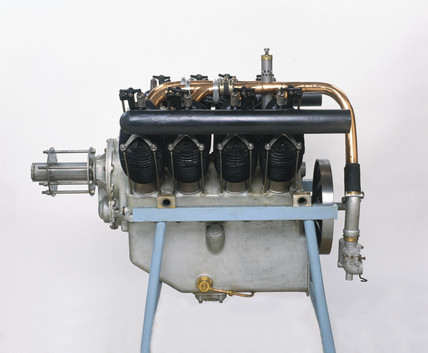 Renault 80 hp engine, c 1916.