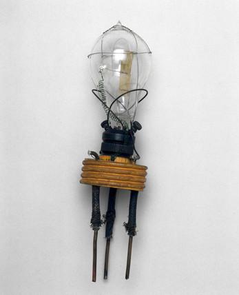 Fleming's oscillation valve, 1904.