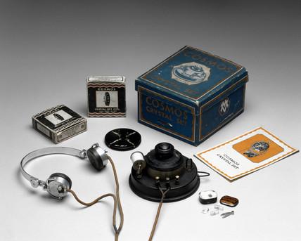 Cosmos crystal radio receiver, c 1925.