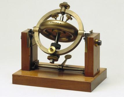 Foucault's gyroscope demonstration apparatus, 1883.