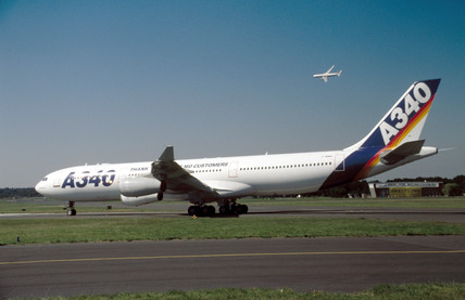 Airbus A340, 1990s.
