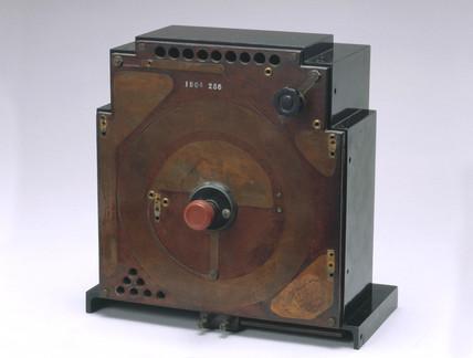 Sargrove sprayed-circuit radio receiver (experimental model) c 1940s.