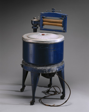 Thor electric washing machine, with wringer attached, c 1929.