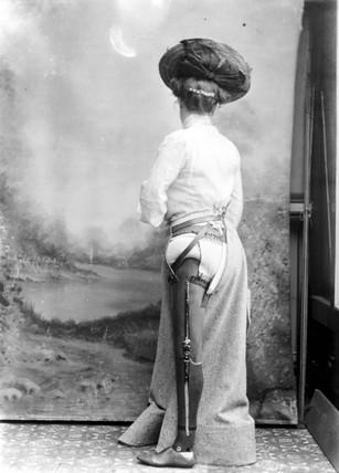 Woman wearing an artificial leg, 1890-1910.