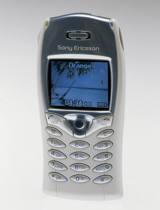 Sony Ericson T68i mobile phone, 2002.
