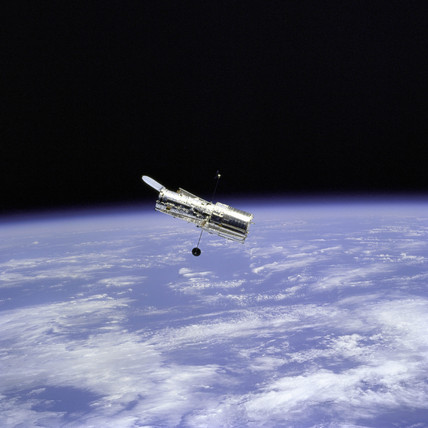 Hubble Space Telescope and Earth Limb, 1997.
