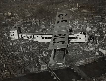 Argosy prototype G-EBLF 'City of Glasgow' over central London, 1927.
