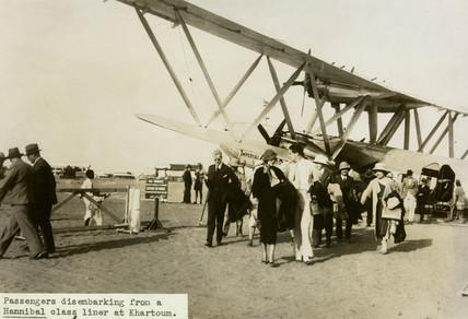 Disembarking pasenger at Khartoum, Sudan, Africa, 1930s.