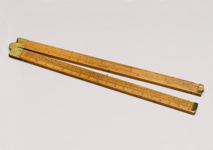 Boxwood Coggeshall folding slide rule, 1720-1730.